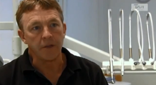 Niels Lønborg Friis om implantater i TV MidtVest